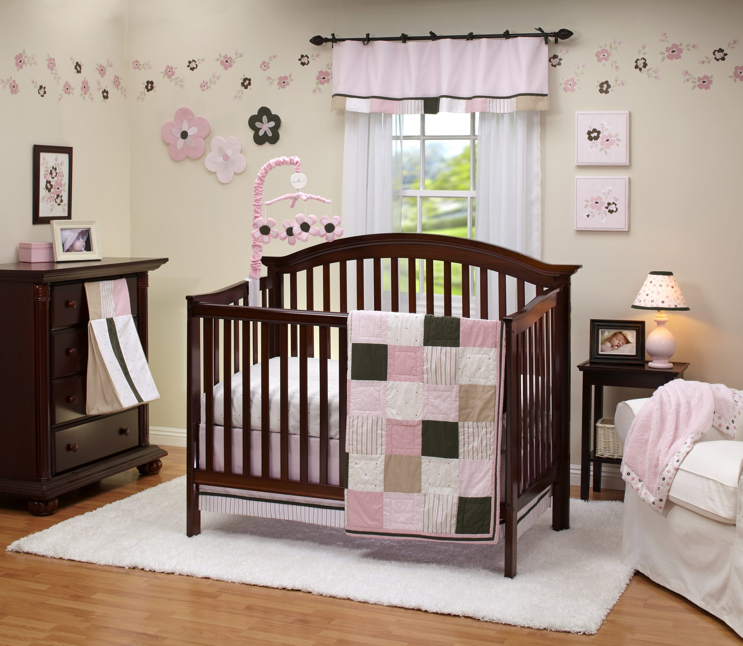 3 Tips For Picking The Right Baby Bedding For Your Newborn