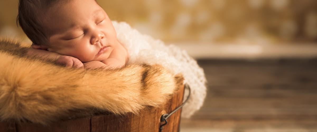Capture Memories Of Your Child With Best Los Angeles Newborn Photographer
