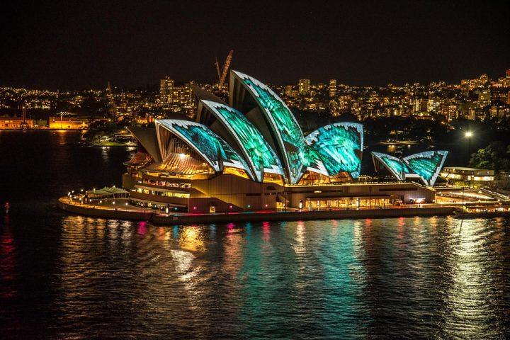 The Amazing Sydney Gece Hayatı