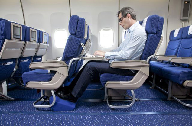 HOW TO SAVE WHILE BOOKING PREMIUM ECONOMY