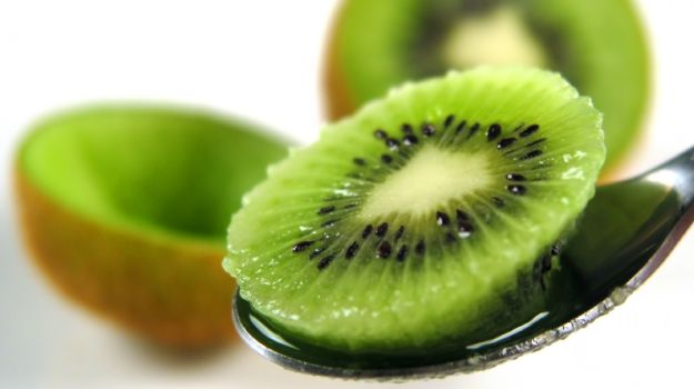 top-healthy-reasons-to-eat-kiwi-fruits
