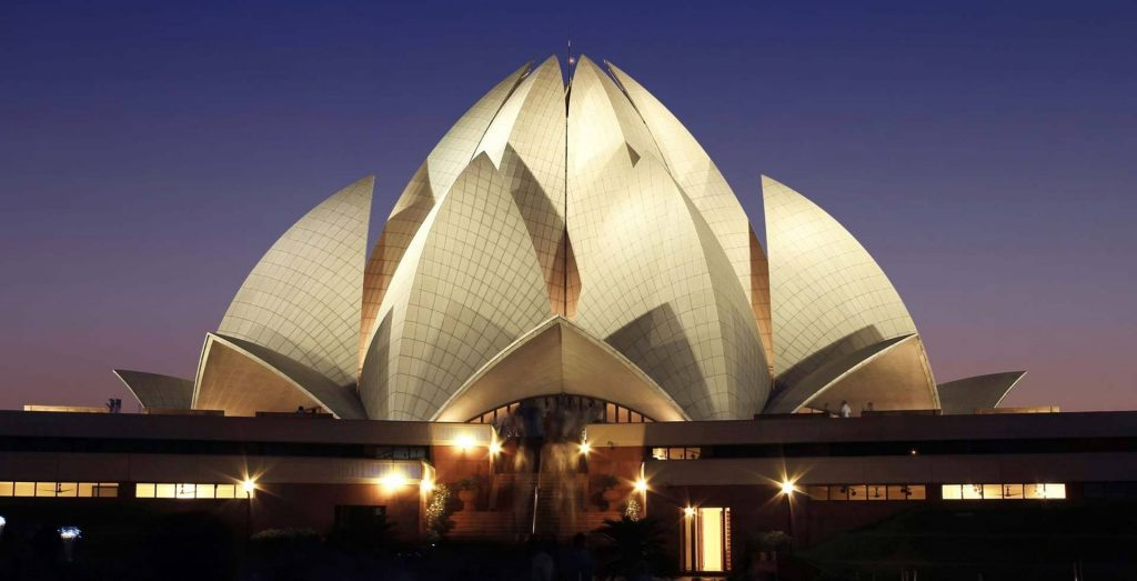 On A Delhi Tour - In The City That Offers A Platter Full Of Attractions and Delights