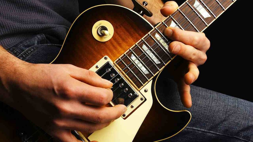 How To Avoid Mistakes While Playing Fingerstyle Guitar?