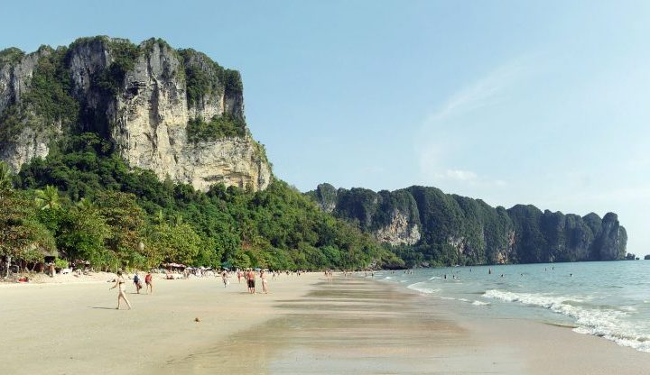 7 Packing Essentials For Travelling Thailand