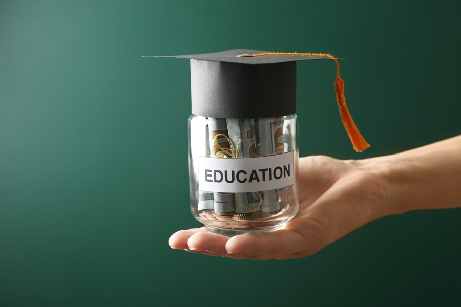 5 Ways To Save Money In College