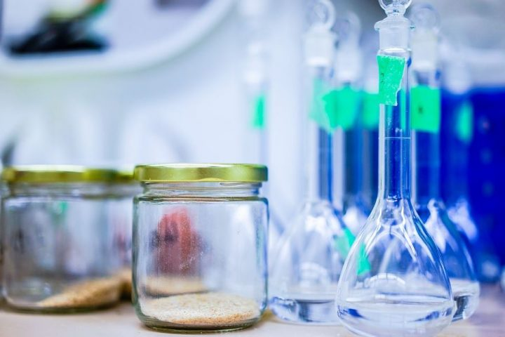 4 Ways Medical Laboratories Support Community Health