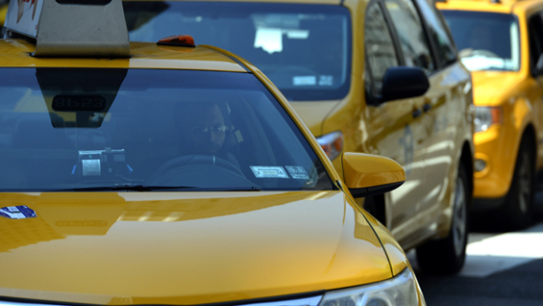 5 Effective Tips To Avoid Airport Taxi Scams